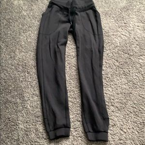 Lululemon Size 2 Jogger Sweatpants